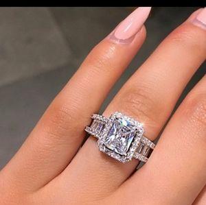 NEW 18K White Gold Radiant Cut Diamond Halo Ring
